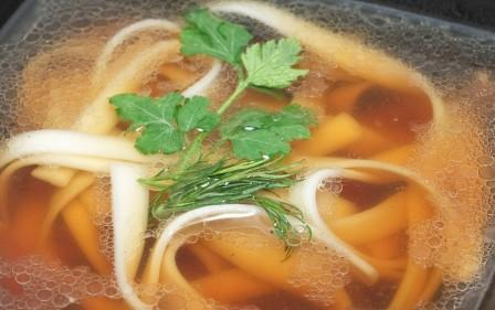 суп с лапшой удон и курой